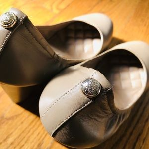 Vince Camuto Wedges (Tan)